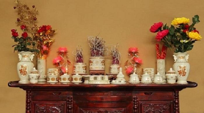 Cắm hoa bàn thờ đẹp quan trọng ở sự cân đối