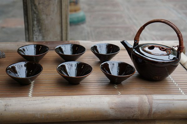 Bộ ấm chén uống trà màu đen đẹp