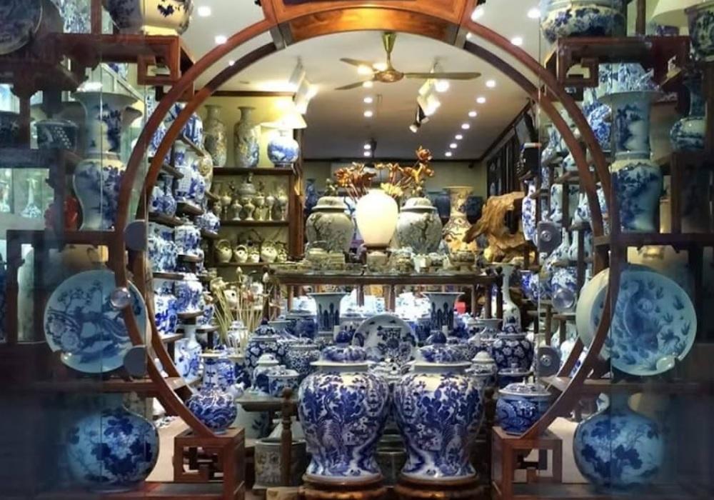 Hình ảnh một cửa hàng gốm sứ đẹp, đa dạng về mẫu mã
